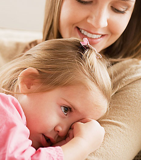 Ha kevés az érintés  A csemeték nemcsak akkor igénylik a fizikai törődést, amikor még picik, hanem egész gyermekkoruk alatt. Az érintés ugyanis az egyik alapfeltétele annak, hogy a gyerek megtapasztalhassa a teljes elfogadottságot. Ha a gyerkőcnek nincs része elegendő simogatásban, szorongóvá, félénkké válhat, idővel depresszióra is hajlamos lehet.  Kapcsolódó cikk: 6 tipp, hogy a világ legjobb anyukája légy »