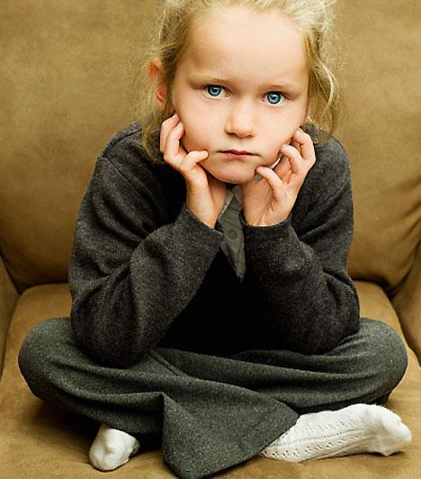 Vádaskodás és ítélkezés  Egy, a közelmúltban készült tanulmány szerzője arra a megállapításra jutott, hogy vádaskodással, ítélkezéssel a szülő sokkal kevésbé éri el a célját, mint azzal, ha normális hangnemet használ, nem beszélve arról, hogy ezzel a fajta megnyilvánulással alááshatja a gyerek iránta való bizalmát.  Kapcsolódó cikk: 3 szülői tévedés, amivel eljátszhatod a gyerek bizalmát »