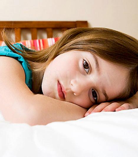 Akkor jó, ha nyugton van?  Mint minden szülő, bizonyára te is összehasonlíthatatlanul könnyebbnek érzed az életedet, amikor csemetéd nyugton van. A gyereknek azonban nem jó, ha mindig higgadtnak kell lennie, hiszen rengeteg érzelem kavarog benne, melyeket szeretne valamilyen módon kiadni magából. Az elfojtás hosszabb távon érzelmi és fizikai problémák formájában jelentkezhet.  Kapcsolódó cikk: 3 szülői tévedés, ami rombolja a gyerek IQ-ját »