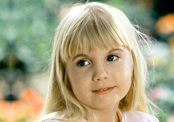 Az angyali szőkeség, Heather O'Rourke a nyolcvanas évek egyik leghátborzongatóbb mozifilmjével, a Poltergeist - Kopogó szellem című horrortrilógiával lett világszerte ismert. 1988-ban, vélhetően orvosi műhiba következtében hunyt el, mindössze 12 évet élt.