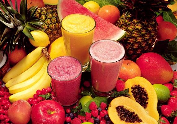 Sajnos ez utóbbi elmondható az egészségesnek hitt gyümölcslevekről is. Vagy válassz 100%-os, vagy facsard magad a gyereknek friss gyümölcsből.