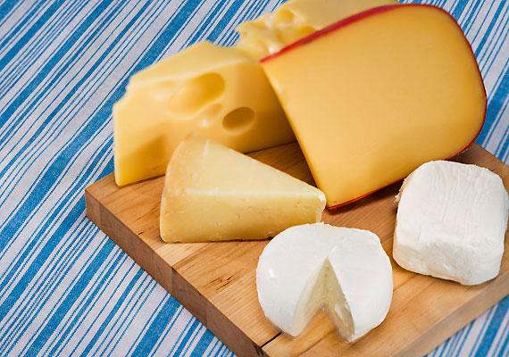 Ugyanez a probléma az amúgy nagyon is fontos tejtermékekkel, például a sajtokkal is - mértéktelen fogyasztásuk számos szakember szerint inkább ront, mint javít a helyzeten.