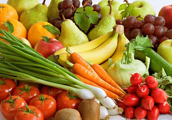 Bár szerencsére kevés az olyan vegetáriánus szülő, aki saját étrendjének követését várja el gyermekétől, azért előfordul. Jó, ha tudod, hogy főleg a tisztán növényi étrend esetén nagyobb eséllyel alakul ki vérszegénység.