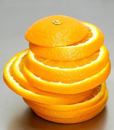 Vitaminok  Az immunrendszer ellenálló képességét nagymértékben fokozzák a vitaminok. Különféle multivitamin-készítményeket is bevethetsz, hogy elkerülje a betegség a csemetédet, vagy könnyebben meggyógyuljon. Ám az a legideálisabb, ha a vitaminkapszulák szedése mellett sok zöldséget és gyümölcsöt is fogyaszt a kicsi, hiszen a természetes vitaminforrásokra mindenképp szükség van az egészség megőrzéséhez.