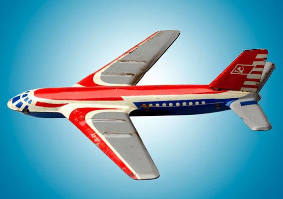 A kisfiúk régen ilyen repcsiken tervezték meghódítani a levegőeget.