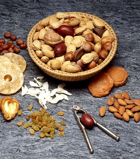 Diófélék  A diófélék különlegessége az omega-3 zsírsav, mely fontos a lurkók számára. A dióbél magas energiatartalmának köszönhetően segít megszüntetni a fáradtság tüneteit, illetve a koncentrációs zavarokat.