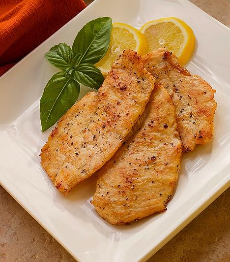 Hús  Húsra minden gyereknek szüksége van a megfelelő fehérjebevitel miatt, így nem tanácsos vegetáriánus étrendet kialakítani fejlődésben lévő gyerekeknél. A fehérje fontos szerepet játszik a növekedésben, de a sejtek regenerálódási folyamataiban is részt vesz.