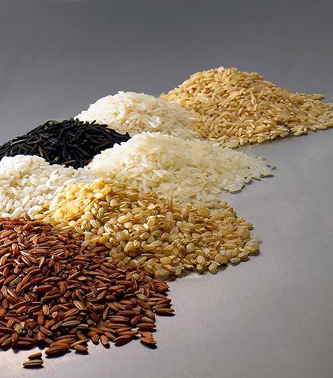 Rizs  A rizs összetevőit tekintve szénhidrátból, zsírból, ásványi anyagokból és nyomelemekből áll, tehát energiaforrásként szolgálhat a fejlődő szervezetnek. Ám rostjai miatt egészségesebb a barna rizs.