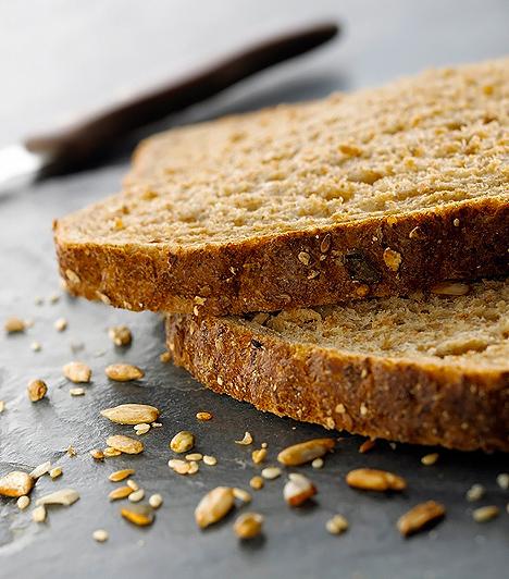 Teljes kiőrlésű kenyérA teljes kiőrlésű kenyér kifejezetten jó energiaforrást biztosít a lurkók számára, és pozitív élettani hatású rostjaival az emésztést is gyorsítja.