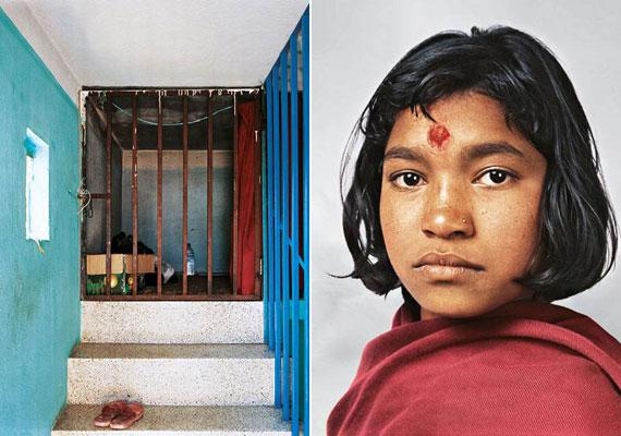 A nepáli, katmandui Prena 14 évesen háztartási alkalmazottként dolgozik. Hetente háromszor mehet iskolába - ezek élete ünnepi pillanatai. A képen látható cellaszerű helyiségben lakik.