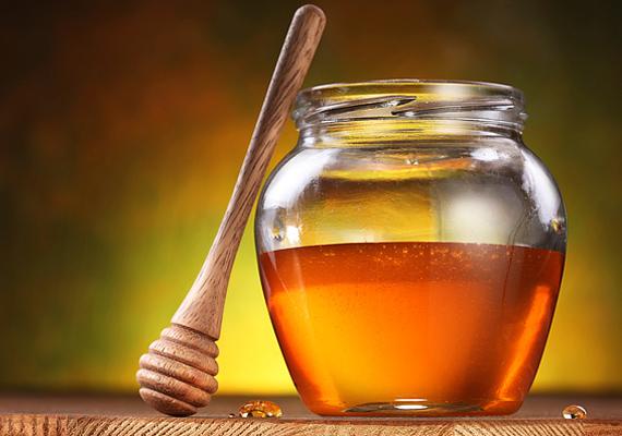 A méz fertőtlenítő hatása révén a megtelepedett baktériumokat könnyedén kiűzheted a kicsi szervezetéből.