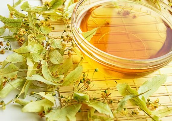 A hársfatea az egyik legjobb természetes szer az influenza kezelésére. Serkenti az anyagcserét és elősegíti a verítékezést, így kiűzi a szervezetből a betegséget.