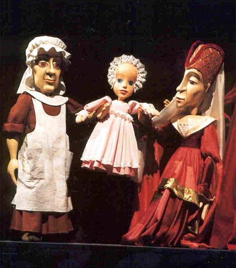 Budapest Bábszínház  Mi más köthetne le jobban egy gyereket, mint egy mese, mondhatni élő szereplőkkel. A Budapest Bábszínház kínálatában különösen jó darabok szerepelnek, foglalj jegyet, és élvezd te is önfeledten az előadást!