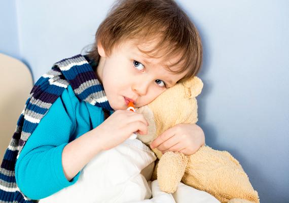 Az óvodában, iskolában gyakori tömeges fertőzések jelentős mértékben gyengíthetik az immunrendszert, súlyosbítva ezzel az allergiát. Ha sok a beteg a csoportban, inkább vedd ki a gyereket néhány napra.