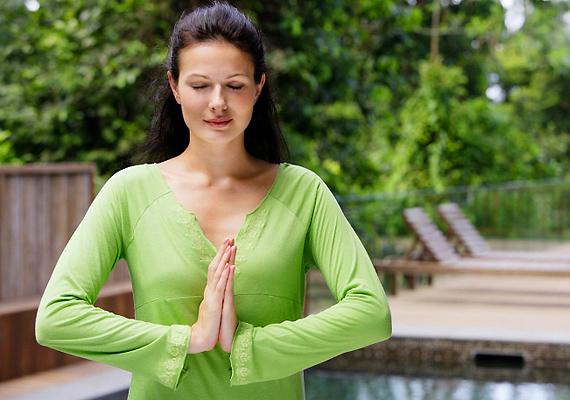 A jóga is segíthet, ha aranyered van. Olyan gyakorlatokat végezz, amely a medencetáji izmokat erősíti!