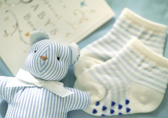 Öt-hat pár zokni biztosan kell majd a téli babának, válassz finom pamutból készültet.