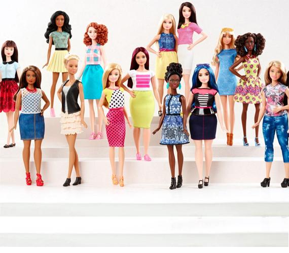 A 2016-os Barbie Fashionistas babasorozat hét bőrszínárnyalatot, 18 szemszínt és 18 hajviseletet vonultat fel a háromféle testalkatban készülő Barbie babákon.