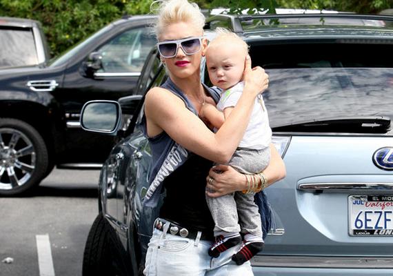 Gwen Stefani and Gavin Rossdale egyik gyermeke a Zuma Nesta Rock nevet kapta. A Zuma valójában egy partszakasz Malibuban, emellett egy számítógépes játékot is így hívnak, illetve a béltraktus nem megfelelő állapotát jelző szakkifejezés becézett formája is.