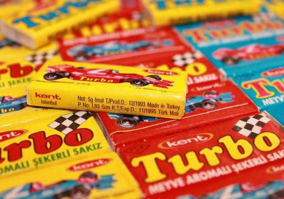 Az autós képekkel csomagolt Turbo rágó kemény volt, és nagyon édes, mégis imádtuk gyerekként.