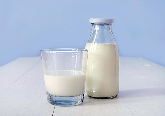 A tej és a natúr joghurt remek fehérjeforrás.