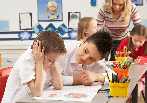 A bölcsődébe-óvodásba kerülés, illetve az iskolakezdés tipikus stresszforrások.