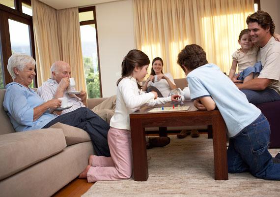 A kisgyerekre is nyugtalanítóan hat a személyes tér - azaz saját szoba vagy legalább sarok - hiánya.