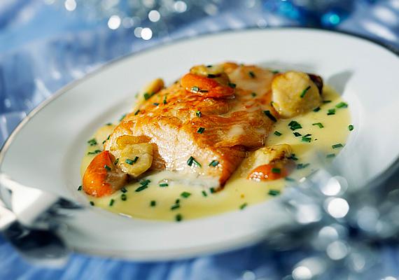 Az omega-3 zsírsav nagy jelentőség bír az idegrendszer fejlődésében. A lazac és a tonhal is bővelkedik benne, de a védőnők elővigyázatosságból csak egyéves kor után ajánlják a tengeri halakat, az esetlegesen bennük fölhalmozódó méreganyagok miatt.