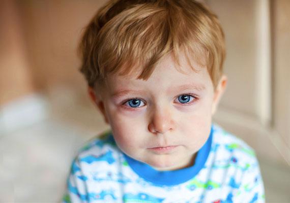 Ha sír a gyerek, azt se fotózd be és tedd fel, még akkor se, ha éppen egy olyan helyzet miatt hisztizik, ami tulajdonképpen mókás. Gondolj bele, hogy gyermeked számára az adott dolog komoly problémát jelent abban a pillanatban - tartsd őt tiszteletben, ne tedd nevetség tárgyává!
