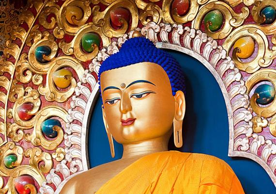 Ha a gyerkőc érdeklődést mutat a keleti tanok iránt, egy Buddha-kép vagy -szobor is helyet kaphat a szobájában. Ez is inspirálóan hat majd rá.