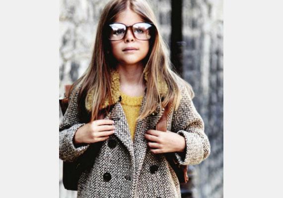 Ha túl nagy kabátot veszel fel, ellensúlyozd egy túlméretezett szemüveggel! - így tanácsolja Quinoa.