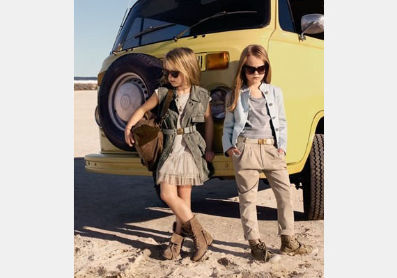 Quinoa és barátnője imádnak retró kocsiba pattanni, kifurikázni a sivatag közepére, leparkolni és savanyú képet vágni.