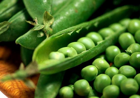 ZöldborsóNemcsak a színe csodás, de az íze is remek, vitamintartalmáról nem is beszélve: a zsenge tavaszi zöldborsó C-, K-, B- és A-vitaminban, mangánban, vasban, cinkben, káliumban és fehérjében is gazdag, ráadásul rosttartalma is magas.