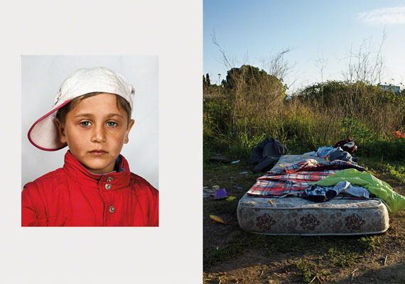 Nem tudni az olasz kisfiú nevét, de a fotó készültekor négyéves volt: borzasztó, hogy mi jutott neki gyerekszoba helyett.