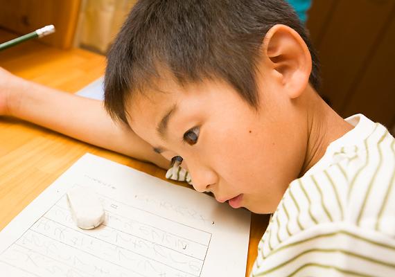 Egy, a közelmúltban végzett kutatás szerint a 9-12 év közötti japán gyerekek 4,2%-a, a 12 év fölöttiek 10,7%-a depressziós vagy mániákus depressziós. Gyakori körükben az öngyilkosság is - annak ellenére, hogy ezt a vallásuk helyteleníti.