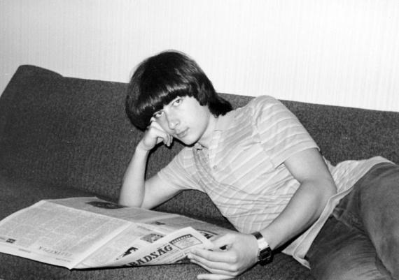 Internet helyett a napi újság szolgáltatta az információkat.(1985)