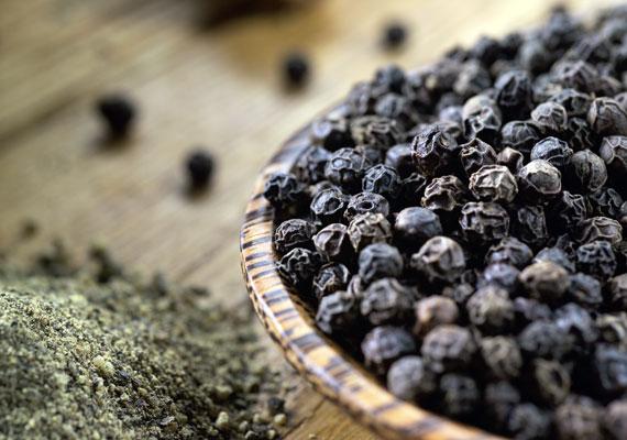 FűszerekEgyes zöldfűszerek egyéves kor körül kis mennyiségben már használhatóak a picik ételének elkészítésénél, de a paprika, gyömbér, feketebors, valamint más hasonló, erős, toxikus fűszer használata sokáig kerülendő.