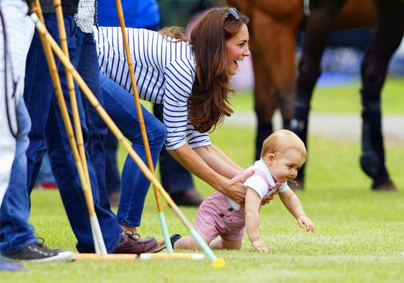 Mintha csak tegnap született volna, pedig György herceg július 22-én, alig több, mint egy hónap múlva egyéves lesz.