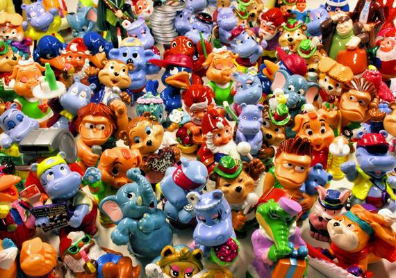A Kinder-figurák sorozatait is sok gyerek gyűjtötte. Egy-egy teljes sorozat kész kincs volt, de a különálló darabokat is nagy becsben tartották, melyek a figurák számát gyarapították tovább.