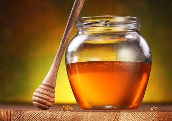 A mézben ritkán előforduló baktériumtörzs gyermekbotulizmust okozhat kicsi korban, ezért nagyon kell a természetes édesítőszerrel vigyázni.