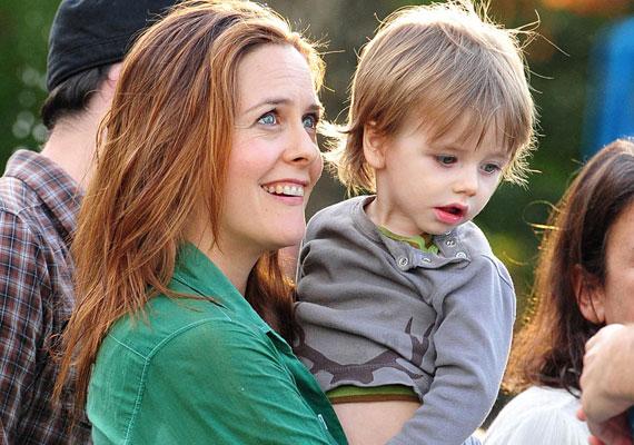 A Spinédzserek című film sztárja, Alicia Silverstone a Bear Blu, azaz Kék Medve névvel ajándékozta meg gyermekét. Szegény kissrácot halálra cikizhetik a társai.