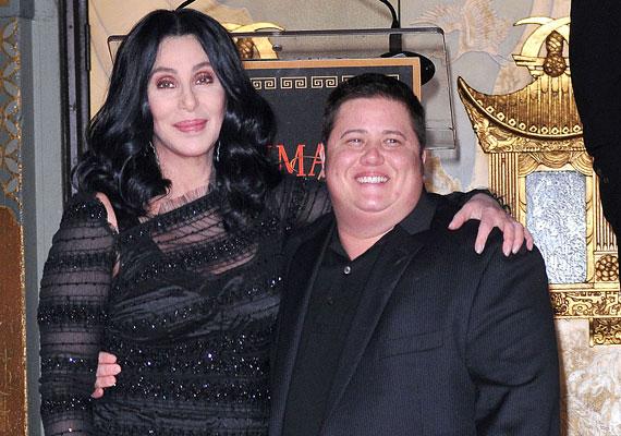 Cher és Sonny Bono Chastitynek, vagyis szűziesnek nevezték el gyermeküket, aki felcseperedvén nőből férfivá operáltatta át magát - ma már Chaznek hívják.