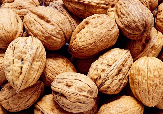 A dió igazi őszi-téli csemege, és rengeteg E-vitamin van benne. Hatékonyan támogatja az immunrendszert.