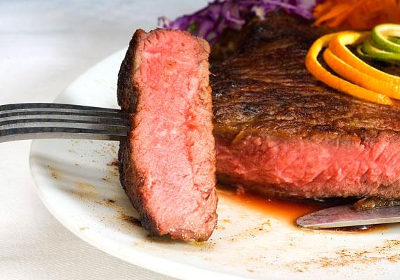 A nehezen emészthető, zsíros húsok megterhelik a szervezet, ami miatt az ellenálló-képesség gyengül.