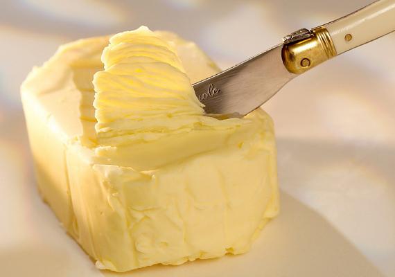 Ilyen esetben a margarinokat, vajakat is érdemes mellőzni - hiszen ezek is tehéntejből készültek.