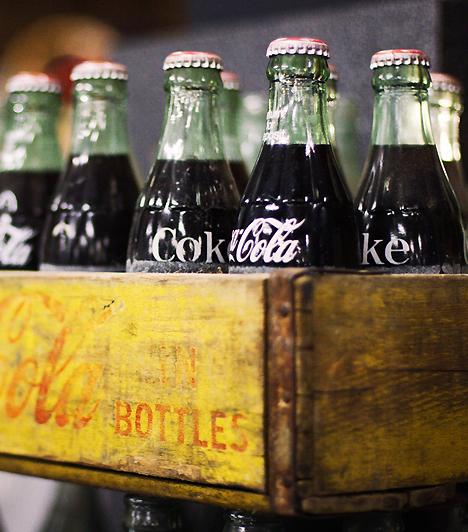 Szénsavas üdítőkA mesterséges adalékanyagokkal ellátott szénsavas üdítők számos olyan kemikáliát és tartósítószert tartalmaznak, amelyek ártalmasak lehetnek a babára nézve.Kapcsolódó cikk:5 jeges, frissítő ital »