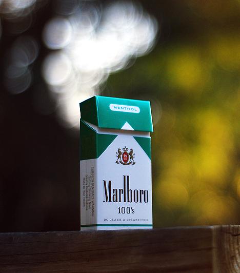 CigarettaBár egyes felmérések szerint a dohányos nőknek már hét évvel a tervezett teherbeesés előtt le kellene tenniük a cigarettát, hogy annak káros összetevői kitisztuljanak a szervezetből, legkésőbb amikor bizonyossá válik, hogy babát vársz, feltétlenül tedd le! Lehetőleg később, a szoptatás ideje alatt se dohányozz.Kapcsolódó cikk:3 forradalmian új leszoktató módszer »