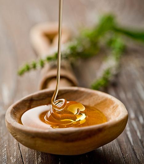 MézHa babát vársz, semmiképpen ne fogyassz pasztőrözetlen mézet, ez ugyanis listeriosist okozhat. A súlyos fertőzés vetéléshez, vagy akár halva születéshez is vezethet.Kapcsolódó cikk:5 perces pakolások »