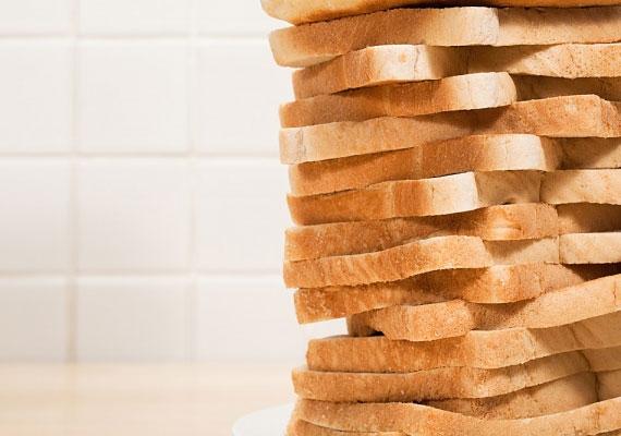 A fehér kenyér nemcsak az emésztés hatékonyságát akadályozza, de sok adalékanyagot, térfogatnövelőt is tartalmaz, főleg a csomagolt, szeletelt változat.