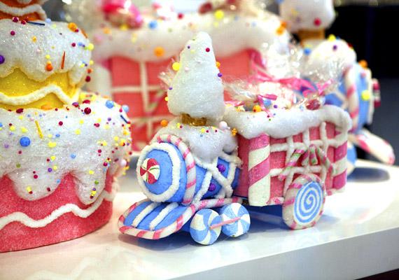 Nem szabad csodálkoznod, ha a téli szünetben a gyerek rendszeresen túlpörög, hiszen ilyenkor a szokásosnál több édességet eszik. Próbáld korlátozni a fogyasztást, illetve a cukormázzal bevont édességeknél már érdemes meghúzni a határt.