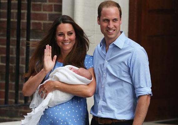 Első babájuk 2013. július 22-én született meg. Az emlékezetes kék ruhás fotót akkor készítették a párról, amikor hazavitték újszülött fiukat. Vilmos egyébként ragaszkodott hozzá, hogy miután saját kezűleg behelyezte a bébit a kocsiba, maga vezethessen haza kis családjával. Vajon ezúttal kék vagy rózsaszín ruhában lépnek a nyilvánosság elé?